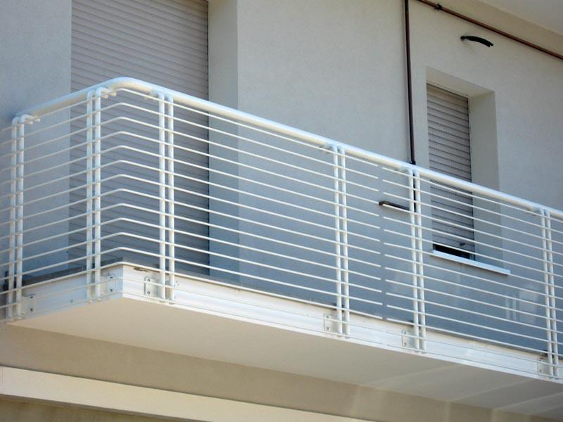 Parapetto scalette sifer - Ringhiere per terrazzi ...