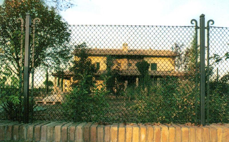 Mobili lavelli recinzione a maglia sciolta for Rete recinzione bricoman